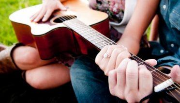 chord gitar mudah lagu romantis